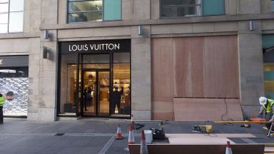 Louis Vuitton: Designer handbags stolen.