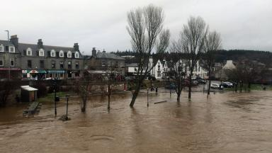 Flooding: Ministers to announce relief plans.