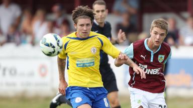 Accrington's Josh Windass has signed a pre-contract deal with Rangers.