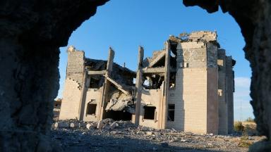 Air strikes have been targeting IS fighters in its Syrian stronghold of Raqqa.