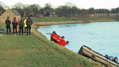 River Dee: Car pulled from water.