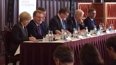 City Deal: MP David Mundell and councillors sign agreement.