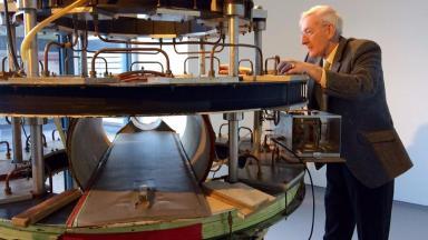 First MRI: Creator Eddie Stevenson with his machine.