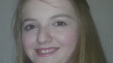 Sarah Goldie: Handbag found near river.