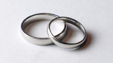 Charity Relate says that many couples are considering getting a divorce.