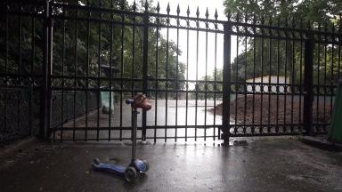 The incident occurred at the Parc Monceau in Paris
