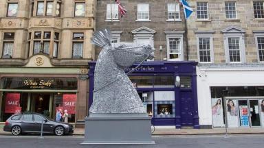 News Now: Edinburgh sculpture