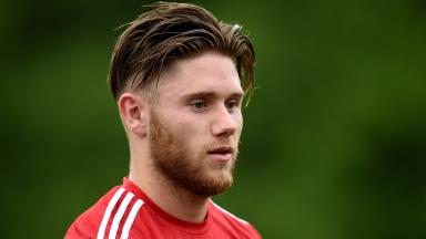 Wes Burns has joined Aberdeen on a season-long loan deal.