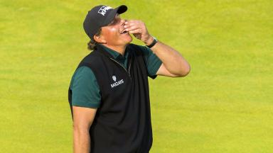 Phil Mickelson on the 18th green to beat the course record