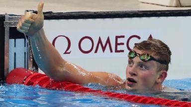 Adam Peaty broke his own world record to qualify for the men's 100m breastroke final.