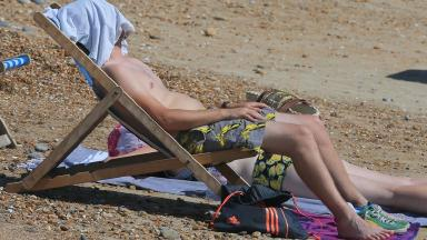 Britons can expect to bask in the heat this week.