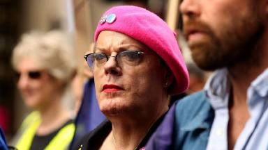 Eddie Izzard chased David Czerwonko down Whitehall after his beret was snatched.