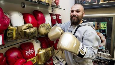 Mike Towell posing in boxing gym. Image from SNS