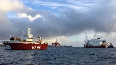 Offloading transocean winner from hawk hlc in turkey