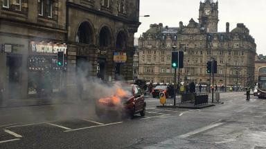 Car on fire, North Bridge Edinburgh February 23 2017