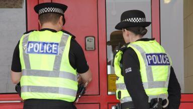 Police door knock - Police Scotland stock shot - Spring 2017