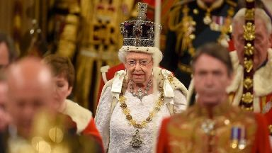 Queen to 'dress down' for State Opening of Parliament
