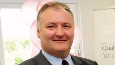 Ian Paterson case: More than 100 further patients come forward