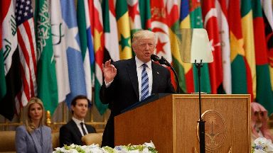 Trump calls on Muslim states to 'drive extremists out'