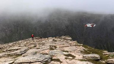 Injured climber rescued by helicopter from Shelterstone Crag on 18/06/17