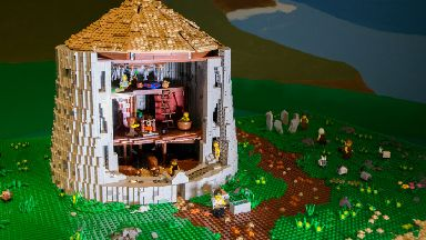 The Caithness Broch Project commissioned the Lego broch made with 10,000 bricks