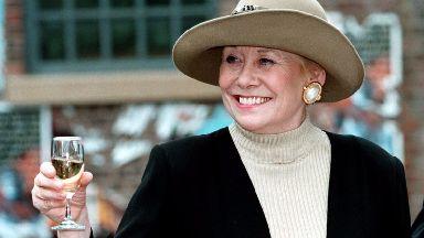 Liz Dawn has passed away, aged 77