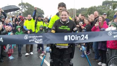 Paralysed woman completes Great South Run in 24 hours