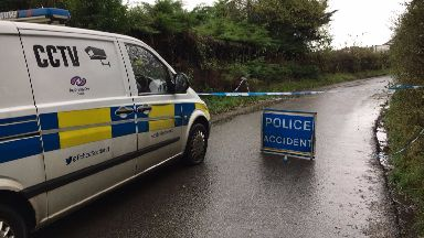 Crosslee Farm: Four men made off from scene. Bridge of Weir