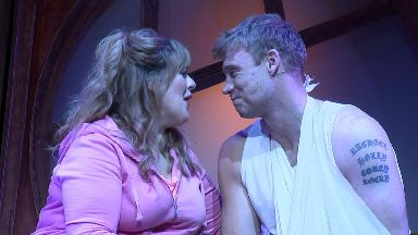 Freddie Flintoff makes stage debut in Fat Friends musical