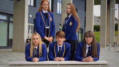 Pupils from Greenfaulds High School have launched a Christmas single almost entirely in Gaelic