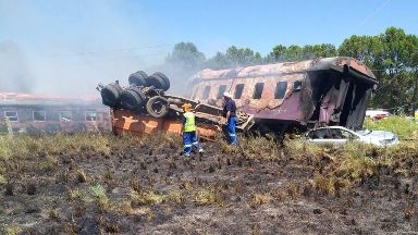 The crash happened between Hennenman and Kroonstad in Free State.