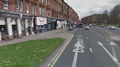 Dumbarton Road: Man taken to hospital. Glasgow