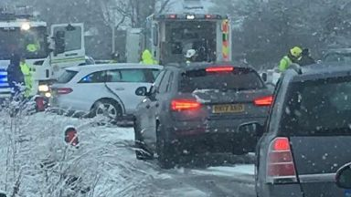 Snow: Drivers asked to avoid area. Oldmeldrum