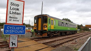 Fifth of young people 'would ignore level crossing warning lights'