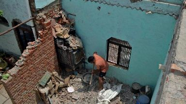 10 dead as storm in India damages homes