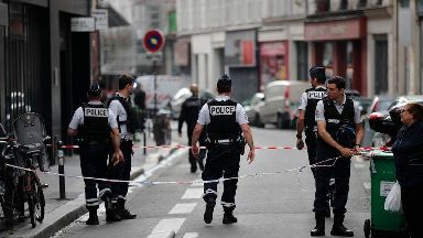 Hostage-taker arrested and hostages freed after hole-up in Paris
