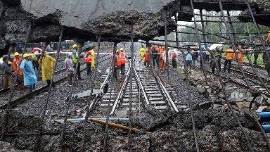 Pedestrians injured in bridge collapse at Mumbai railway station