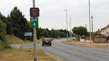 New road signs can detect mobile phones are being used in vehicles