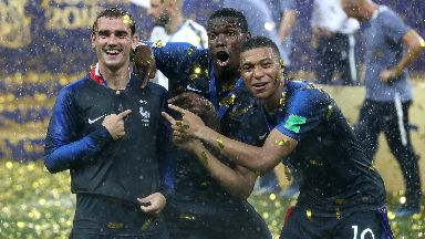 Party: France celebrated a memorable victory.