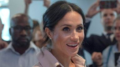 Meghan and Harry visit exhibition on life of Nelson Mandela