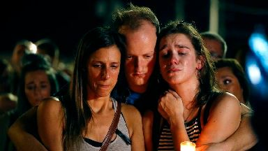 Hundreds attend vigils for victims of US duck boat accident