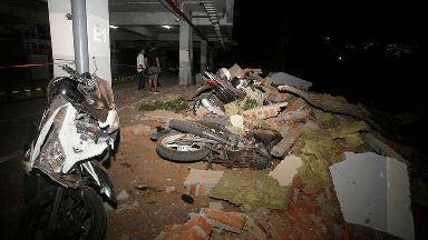 Dozens killed after quake hits Indonesian tourist island