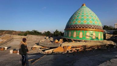 Death toll rising after quake on Indonesian island