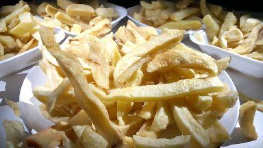 Chips: Average serving 380g.
