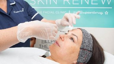 Lisa from London receives a treatment following a consultation with Superdrug nurse Rosie.