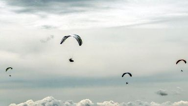 British paraglider killed in mid-air collision