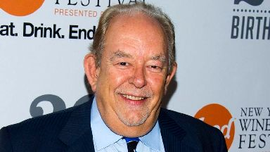 Robin Leach, British presenter of US lifestyle show, dies aged 76