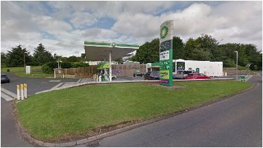 Bearsden: BP petrol station, Stockiemuir Road