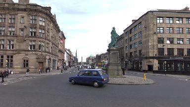 Edinburgh: Street cordoned off by police. George Street Frederick Street
