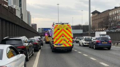 M8: Huge delays were called after the crash. Charing Cross 11 cars